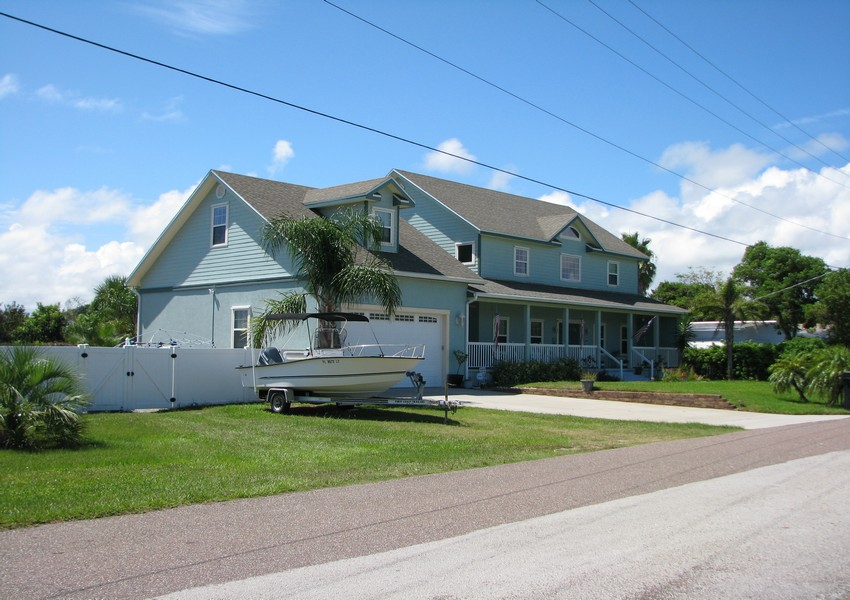 Basque House (2) – Siding Industries Crecent Beach FL
