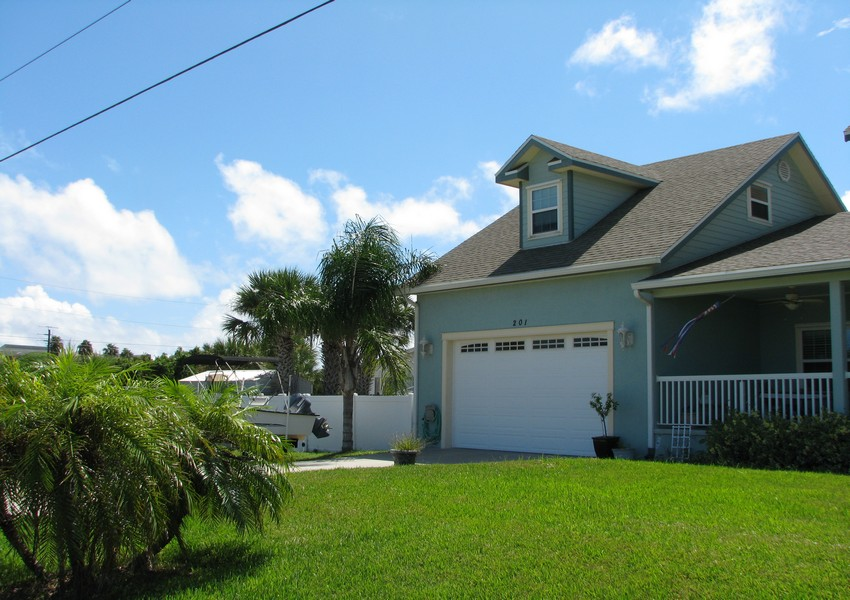 Basque House (22) – Siding Industries Crescent Beach FL