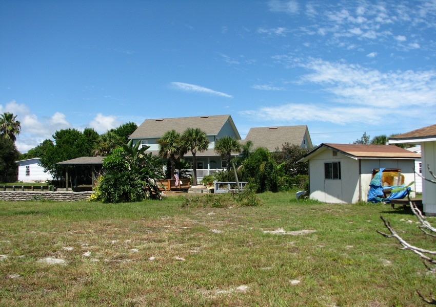 Basque House (48) – Siding Industries Crecent Beach FL