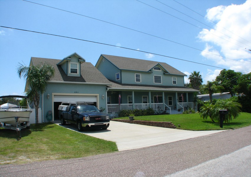 Basque House (52) – Siding Industries Crescent Beach FL