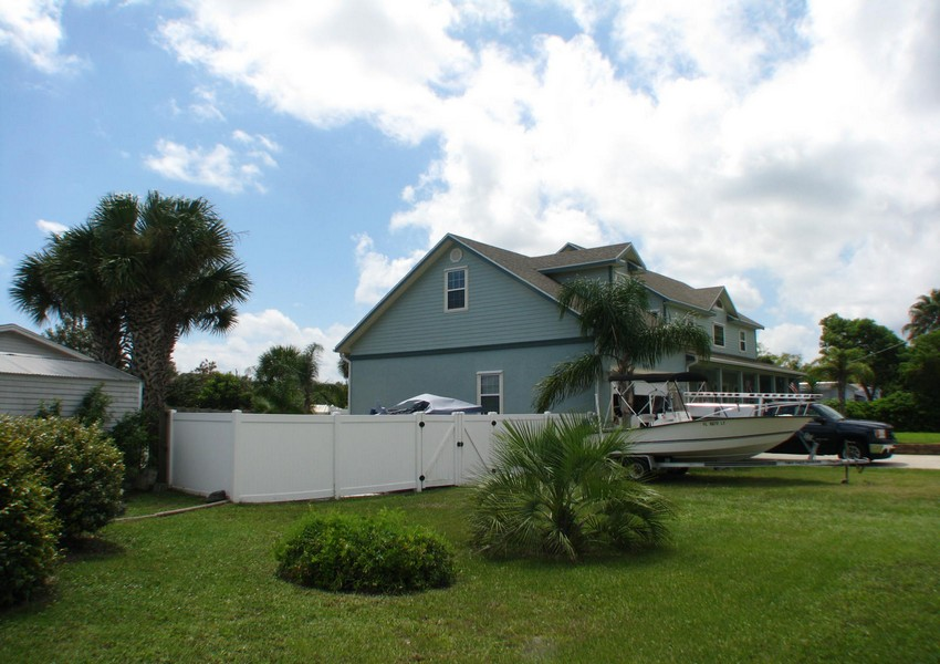 Basque House (74) – Siding Industries Crescent Beach FL