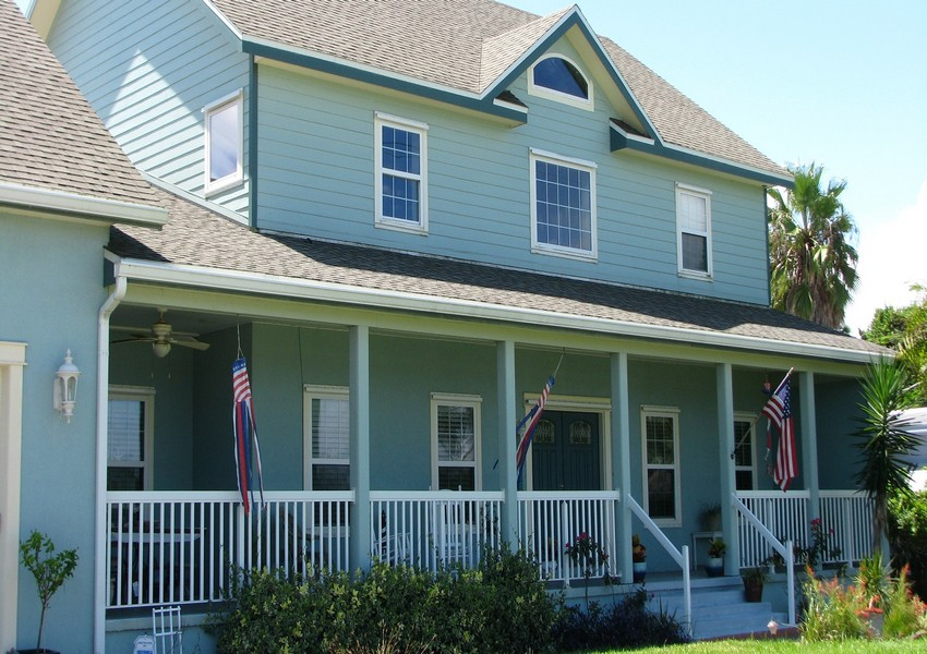 Basque House (slider) – Siding Industries Crescent Beach FL