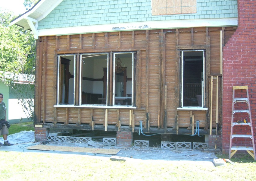 Holden House Before (2) – Siding Industries St. Augustine
