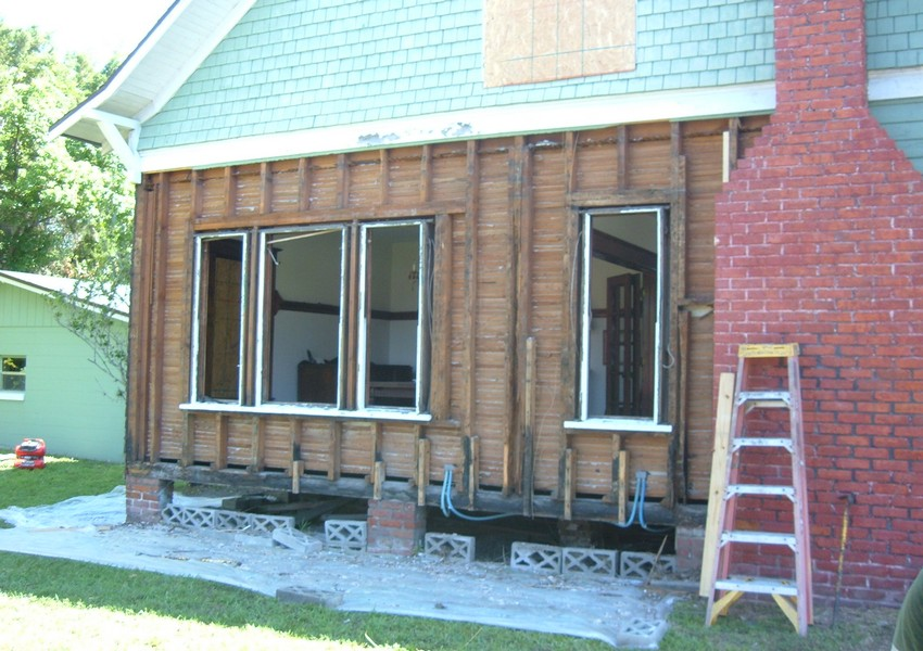 Holden House Before (7) – Siding Industries St. Augustine