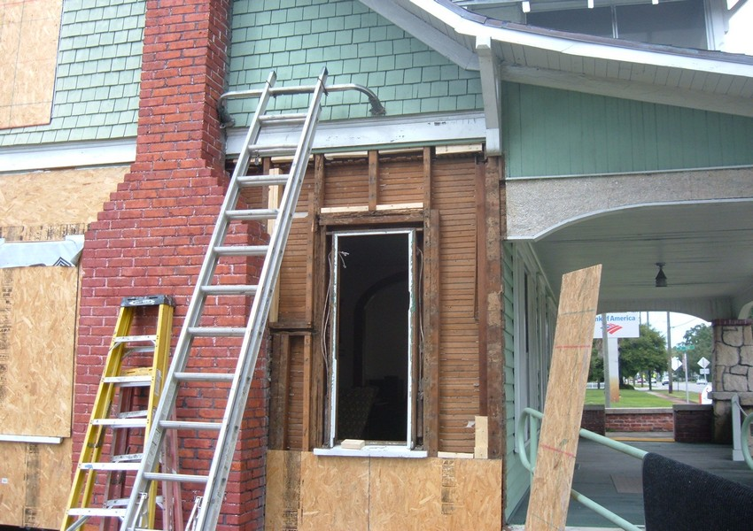 Holden House Before (8) – Siding Industries St. Augustine